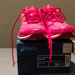 New Asics gel nimbus 20 Bright Rose